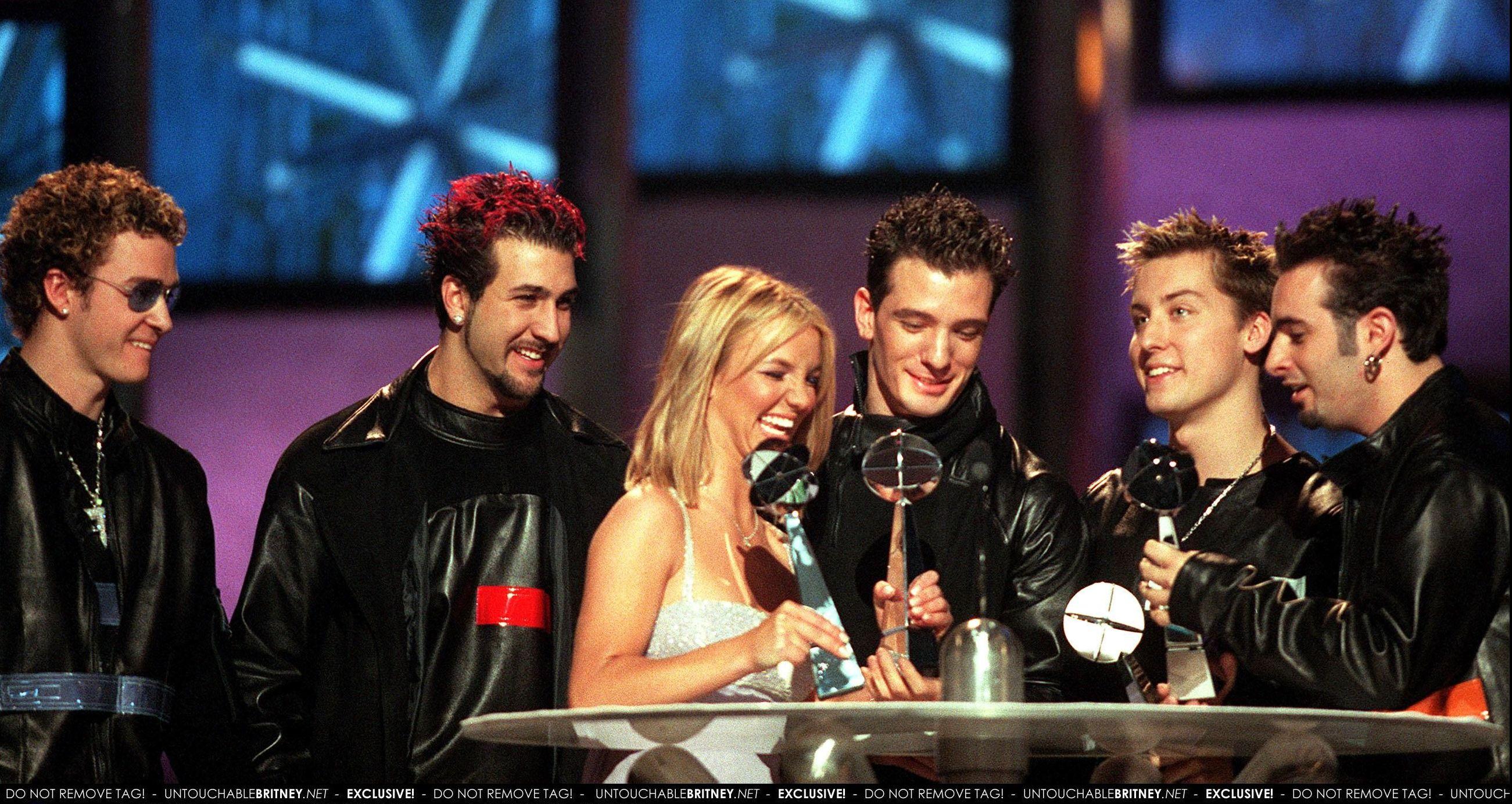 Billboard_Music_Awards_-_Red_Carpet_On_S